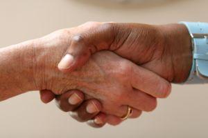 1097209_shaking_hands